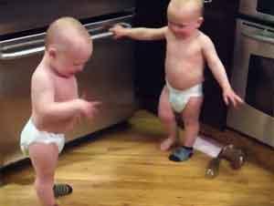 Bebés Gemelos Se Comunican Como Si Fueran Adultos
