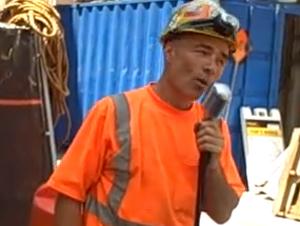 Trabajadores de Construcción Sorprendieron a los que Pasaba – Serenata al Almuerzo