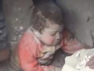 ¡Este Bebé Fue Encontrado con Vida Debajo de Esto! – Tuvo que Ser un Ángel de Dios
