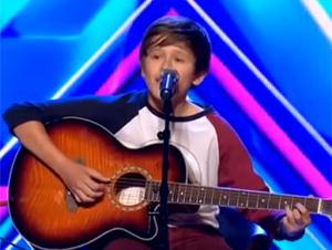 Estudiante de 14 Años Tiene la Voz de un Ángel – Usted Quedará Completamente Sorprendido