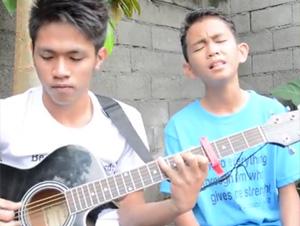 Cuando Estos 2 Primos Cantan Alabanzas a Dios, ¡Sucede Algo Especial! – Videos Talento