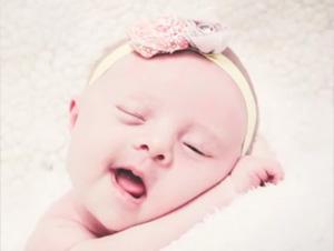 Esta Pareja Oró por Mucho Tiempo por una Hija. ¡El Señor Envió a Este Pequeño Rayo de Sol a sus Vidas!
