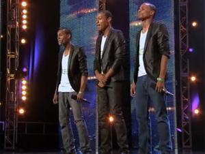 Simon Menospreció a Estos 3 Hermanos. Pero Cuando Cantaron para Su Mamá, ¡Todo Cambió!