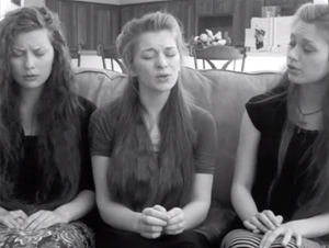 Estas Hermanas le Dan Nueva Vida a Este Precioso Himno – Simplemente ¡Hermoso!