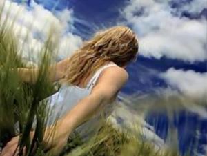 'Un Lugar Celestial' es una Canción Contagiosa que ¡Te Elevará Hasta las Alturas! – Jaci Velasquez