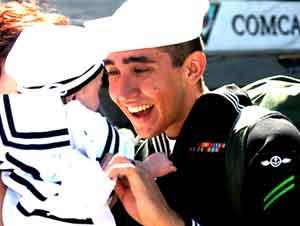 Estos 24 militares acaban de conocer a sus hijos por primera vez. ¡Llenará su corazón de alegría!