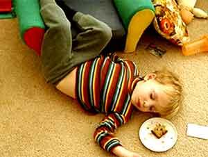 Estos Preciosos Niños Demuestran Que Una Cama No Es El Único Lugar para Dormir – ¡Esto Alegrará Su Día!