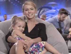 ¡Una Maestra Y Su Hija De 3 Años De Edad Asombran A Los Jueces En Una Audición!