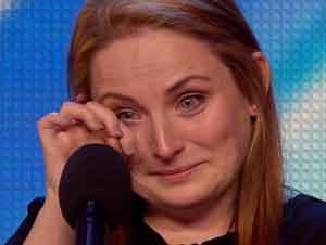 Madre de 5 Impresionó a los Jueces con Increíble Canción de Esperanza Después de Matrimonio Abusivo
