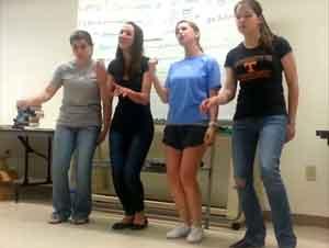4 Niñas Hacen Increíble Cuarteto en el Aula de Clases