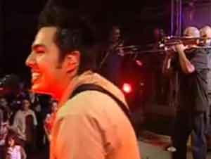 Ellos Sí Que Saben Celebrar. ¡Su Alabanza le Contagiará! – Videos Música, Salvador