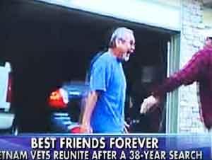 Ellos pelearon juntos mano a mano hace 38 años y su reencuentro fue conmovedor.
