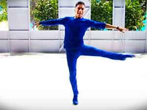 Este bailarín no va a permitir que el estar ciego lo detenga. Verdaderamente Inspirador