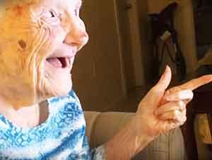 Señora de 101 años se da cuenta que es una estrella.