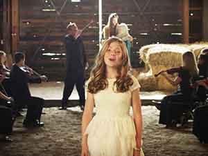 "Lexi Walker canta ""Ave Maria"""