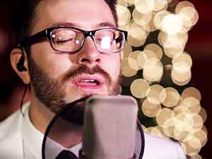 "Danny Gokey canta ""O Holy Night"""