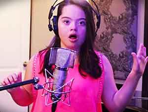 Niña Con Síndrome De Down Desafía Las Estadísticas Al Cantar