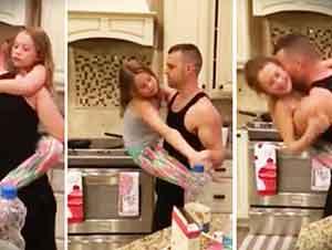 Padre E Hija Se Ponen A Bailar En La Cocina