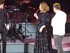 Adele Invita A Unos Fans A Cantar En El Escenario