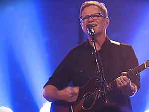 """One True God"" Cancion en Vivo de Steven Curtis Chapman"