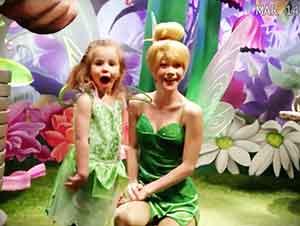 Sorpresa De Disney Para Una Niña Sorda