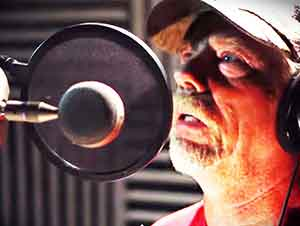 Primera Vez Que Graba Su Voz Cantando Y Deja A Todos Impresionados