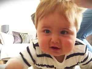 Lo Que Los Tios Hacen Con Sus Sobrinos Cuando Su Mama No Los Ve… JAJAJAJA