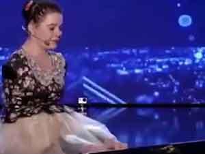 Niña Sin Manos Toca El Piano Y Canta