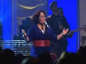 Música Cristiana de Ingrid Rosario – Abre Los Cielos