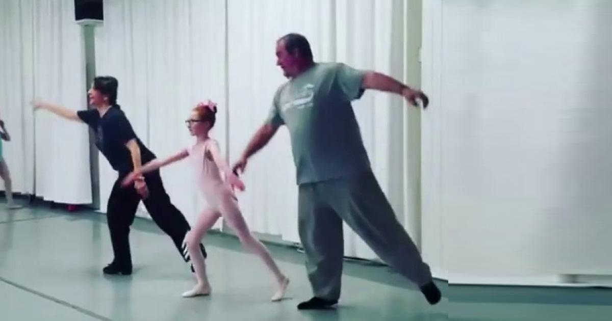 Papás Bailando Ballet Con Sus Hijas